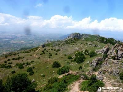 Sierra Toloño,Rioja Alavesa; rutas por la selva de irati ruta gredos escapada agosto